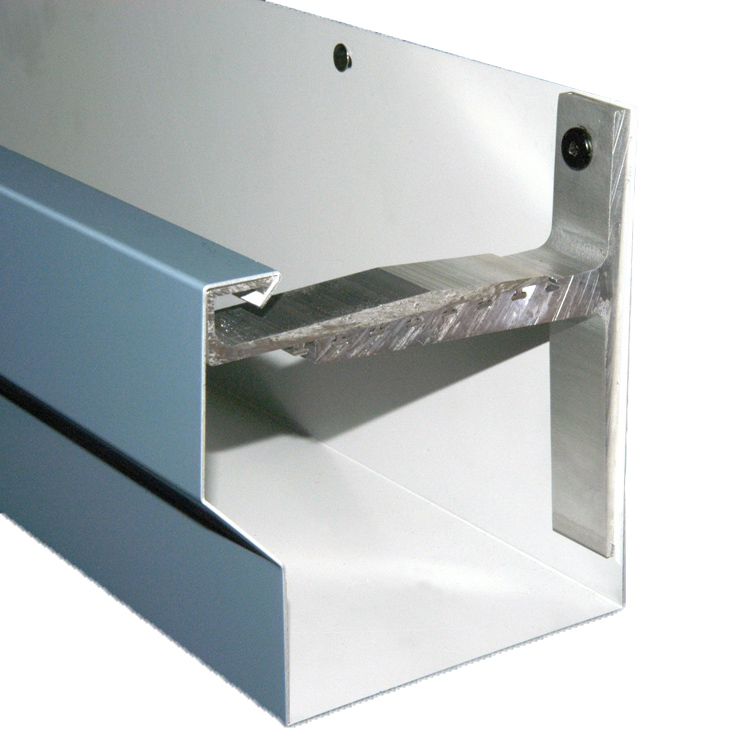 Image of wind resistant gutter
